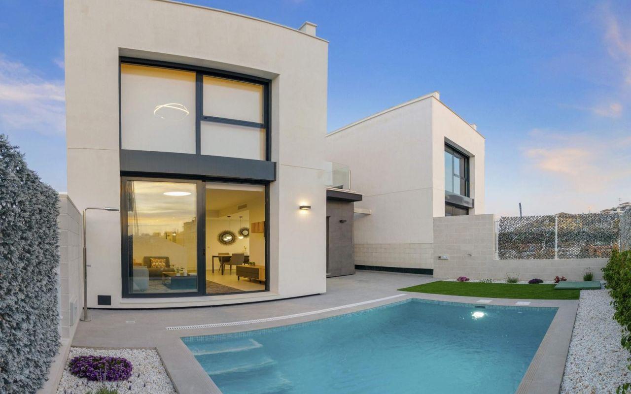 New Villa in Villamartin